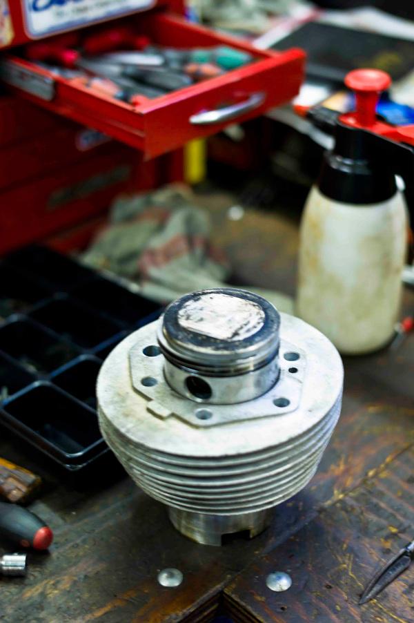 Zylinder mit T3-Kolben